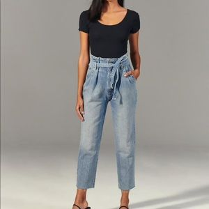 Abercrombie high rise paperbag jeans, mom jeans